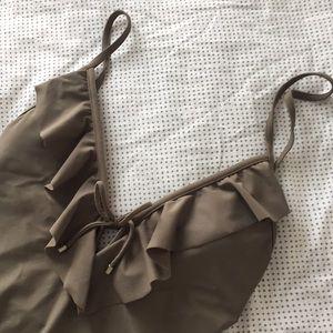 Gorgeous Tan Ruffled Bathing Suit 👙